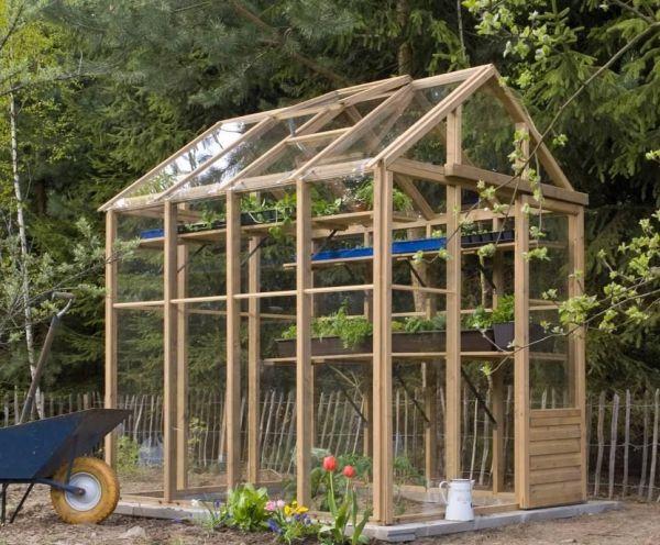 kleines Gewächshaus aus Holz - Holzhaus für Selbstversorger